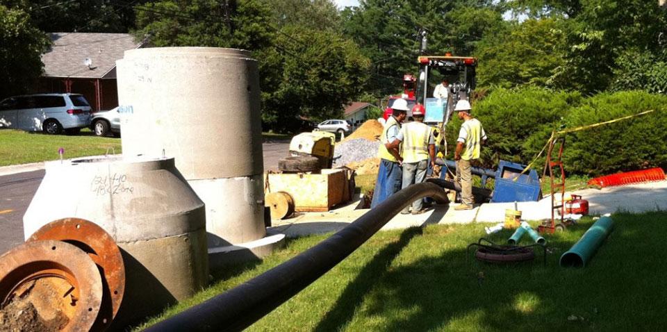 Pipeshark Installing New Municipal Sewer Main With Pipe Bursting